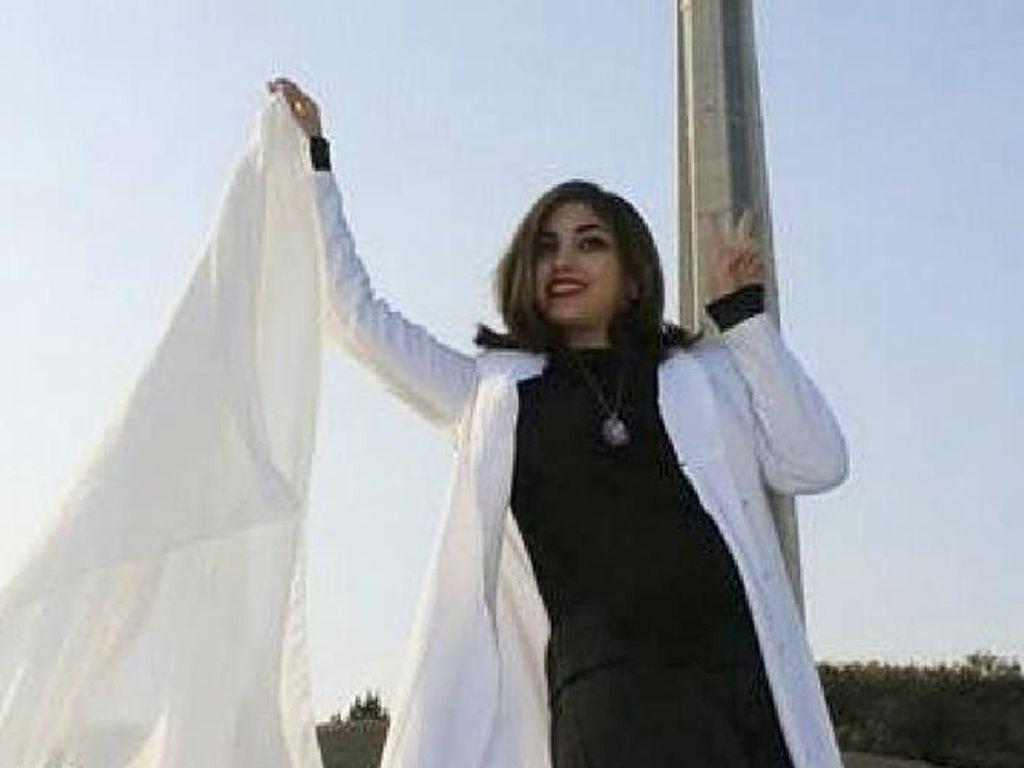 Perempuan Iran Tuntut Perubahan di Negaranya