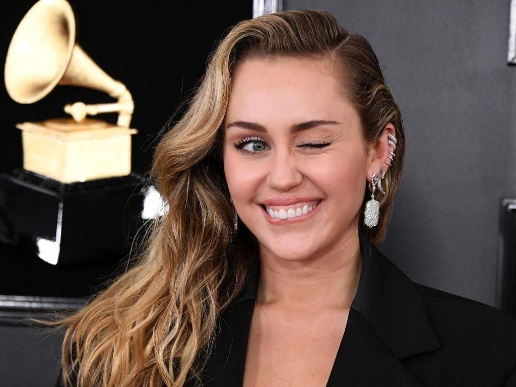 Setelah Bayar Rp 4,1 Triliun karena Hak Cipta, Miley Cyrus Siap Bangkit Lagi