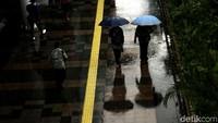 BMKG: Waspada Potensi Hujan Lebat Disertai Petir dan Banjir di Jakarta