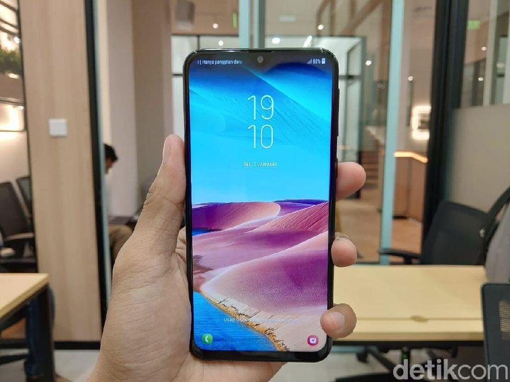 Galaxy M20 Dirilis, Samsung Bantah Bakal Pangkas Series Lain