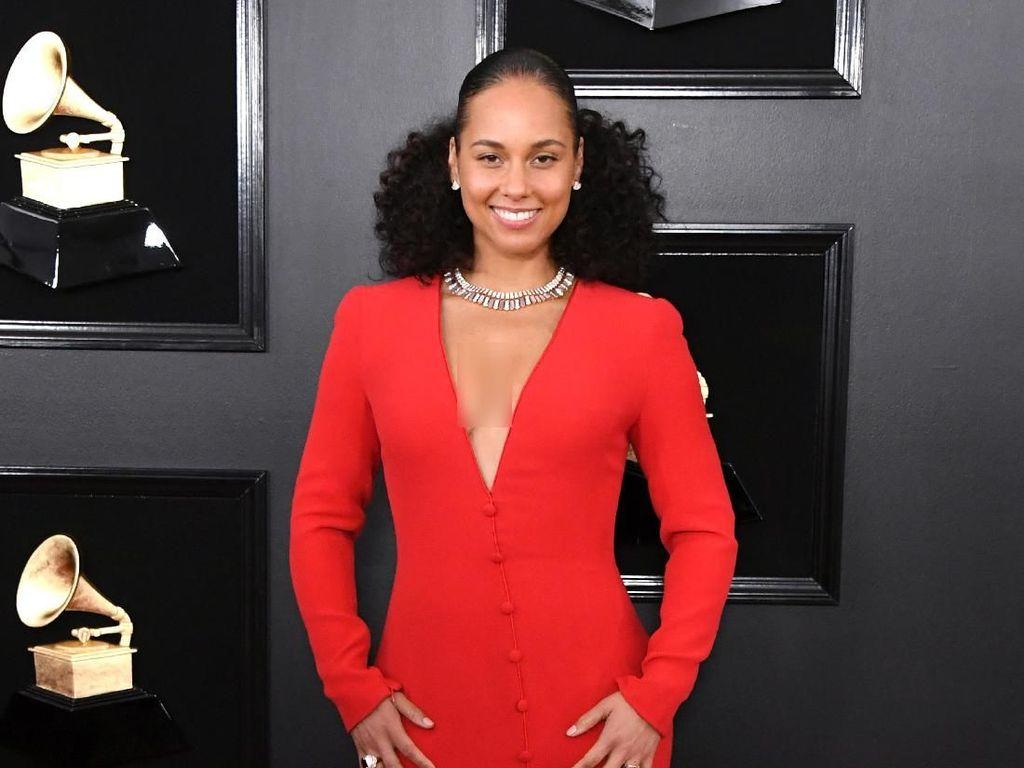 Alicia Keys dan Oprah Terbitkan Buku Memoar More Myself
