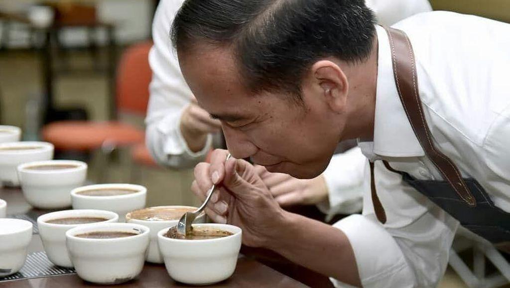Icip Koling hingga Kopi Ijo 4 Ribu Perak, Begini Gaya Presiden Jokowi Saat Ngopi