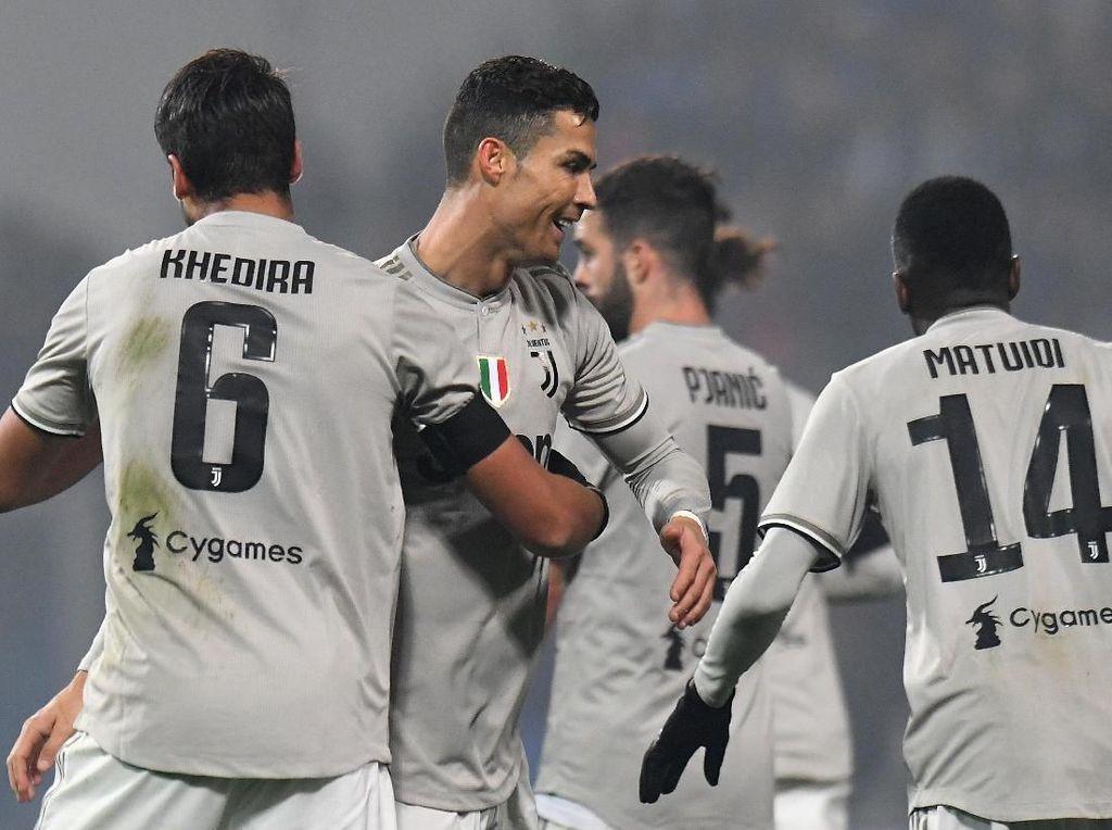 Wajahnya Tersepak Ronaldo, Khedira: Terima Kasih Sakit Kepalanya, Ya!