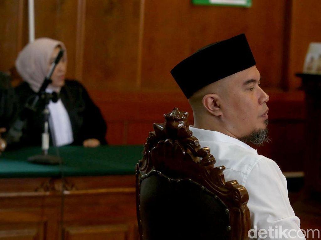 PT Jakarta Perintahkan Ahmad Dhani Tetap Ditahan