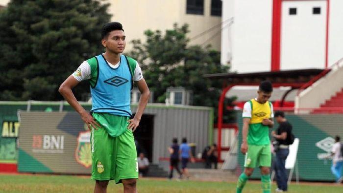 Dendy Sulistyawan membeberkan perbedaan gaya melatih Simon Mcmenemy dan Angel Alfredo Vera. (dok. Bhayangkara FC)