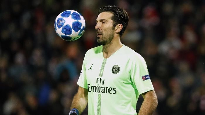 Kiper Paris Saint-Germain Gianluigi Buffon. (Foto: Srdjan Stevanovic/Getty Images)