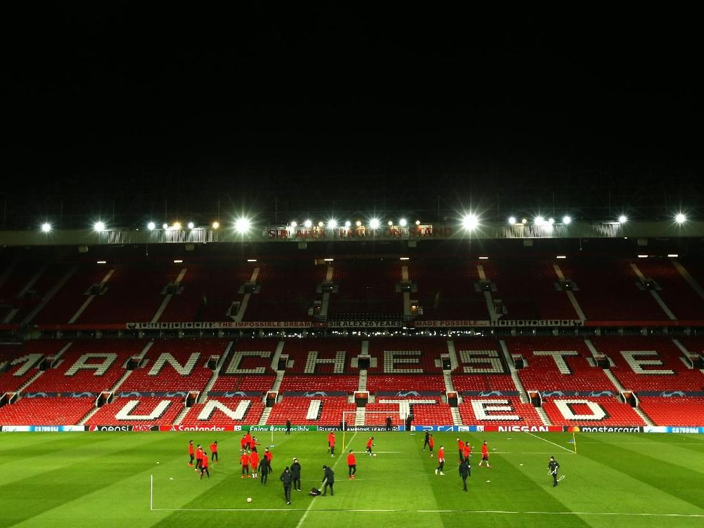 Pesan Ferdinand untuk MU: Jangan Serampangan Beli Pemain