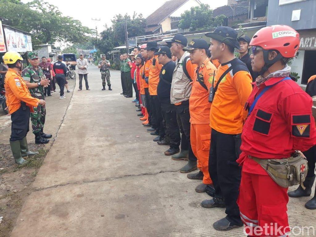 SAR Sisir Lokasi Pemilik Salon Hilang Terbawa Arus di Semarang