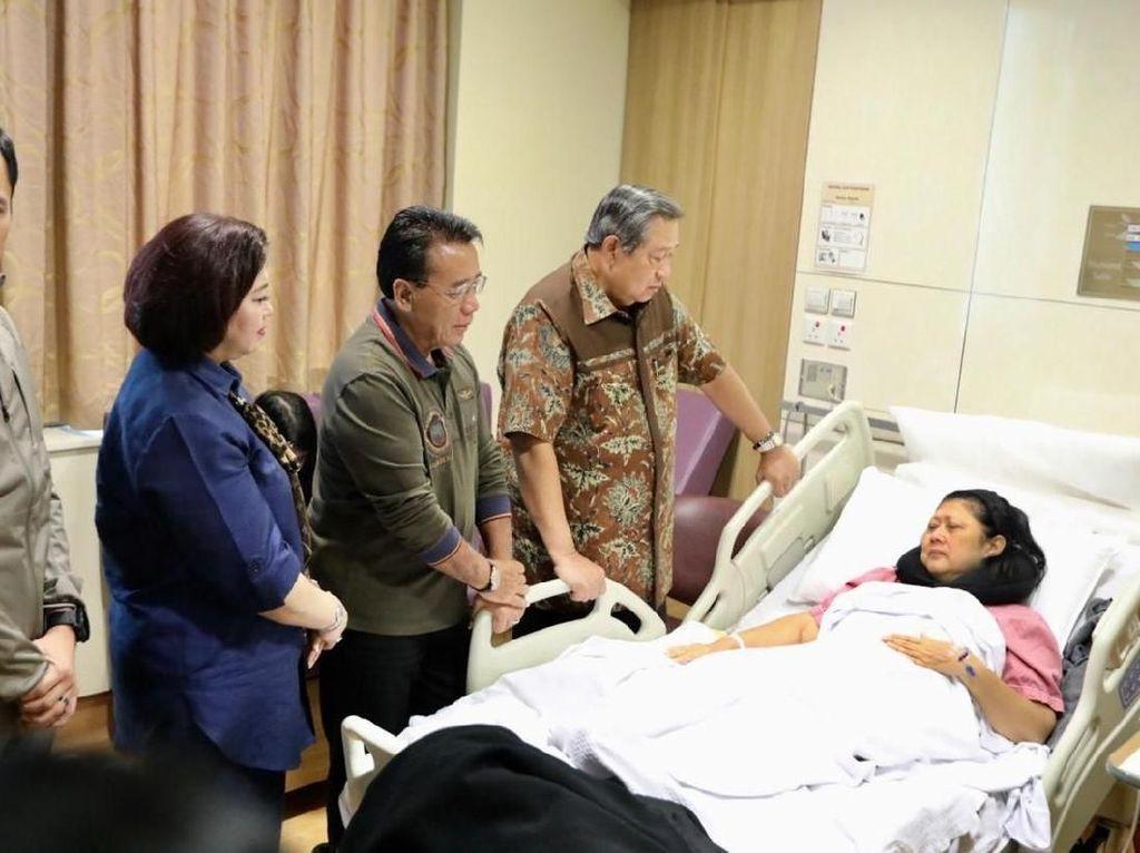 PD: PM Singapura Jenguk Bu Ani Yudhoyono Siang Ini