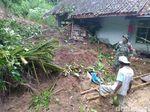 Hujan Deras, Sejumlah Daerah di Ciamis Longsor Rusak Puluhan Rumah
