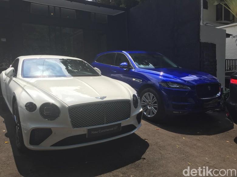 Bentley dan Jaguar. Foto: Dadan Kuswaraharja
