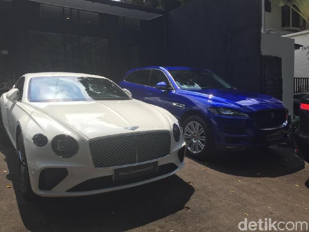 Crazy Rich Indonesian Borong Mobil Mewah Inggris
