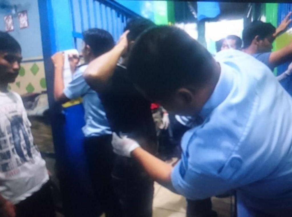 Mencekamnya Suasana Saat Tim Kobra Geruduk Lapas Narkotika Lampung
