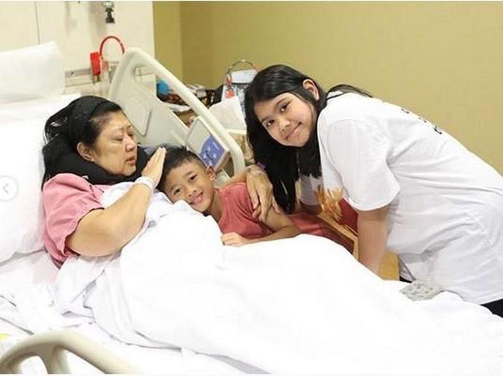 Sempat Dikira Kelelahan, Begini Awal Ani Yudhoyono Didiagnosis Kanker Darah