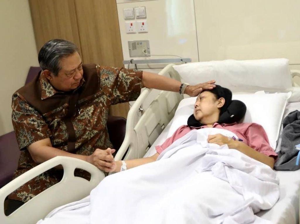 Momen SBY Setia Temani Ani Yudhoyono yang Sakit Kanker Darah