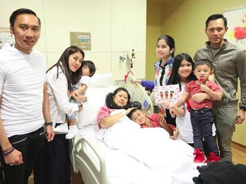 Dukungan Anak dan Cucu untuk Kesembuhan Ani Yudhoyono