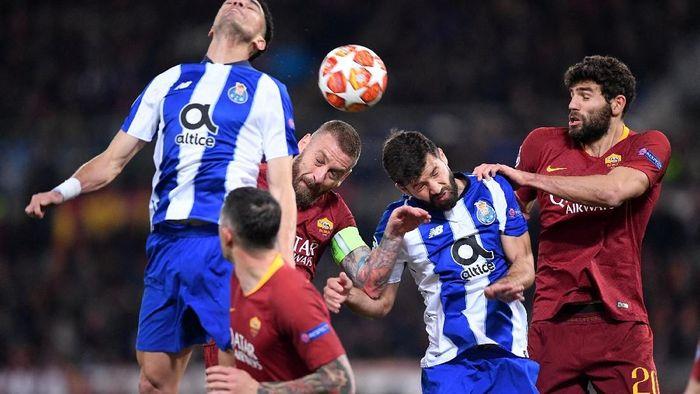 Babak pertama AS Roma vs FC Porto masih imbang tanpa gol di Stadio Olimpico, Rabu (13/2/2019) dini hari WIB. (Foto: Alberto Lingria/Reuters)