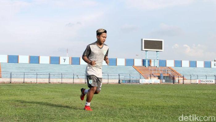 Mohammad Fahmi Al-Ayyubi dalam latihan Persela Lamongan. (Foto: Eko Sudjarwo/Detikcom)