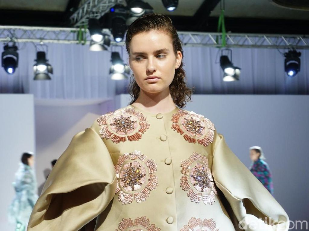 Pernah Kerja untuk Dior, Desainer Indonesia Rilis Koleksi Busana Terbaru