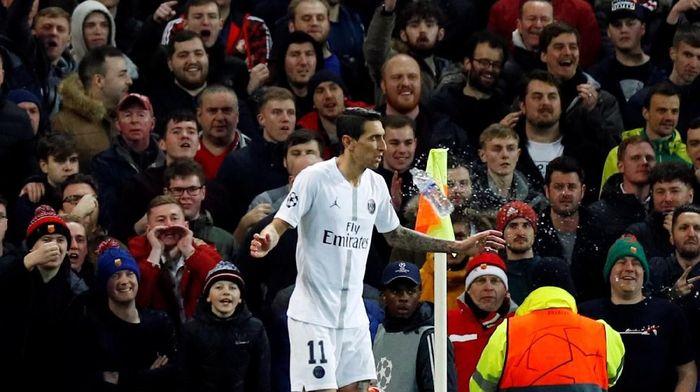 Angel Di Maria menyumbang dua assist untuk membantu Paris Saint-Germain menang 2-0 di markas Manchester United di leg pertama babak 16 besar Liga Champions (Foto: Phil Noble/Reuters)
