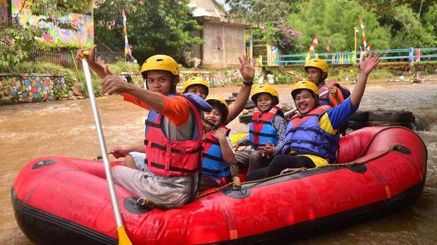 Kids Rafting di Hiking Bocah