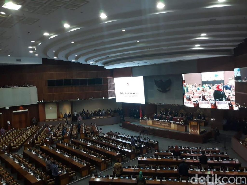 337 Anggota DPR Absen di Paripurna Akhir Masa Sidang