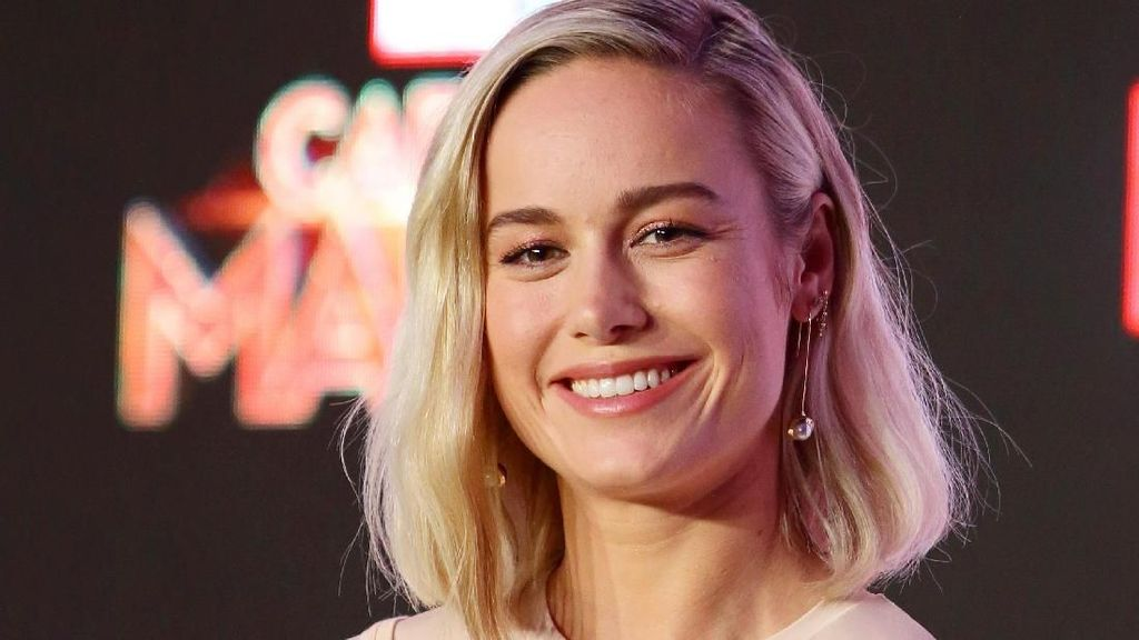 Liburannya Artis Cantik Brie Larson, Si Captain Marvel