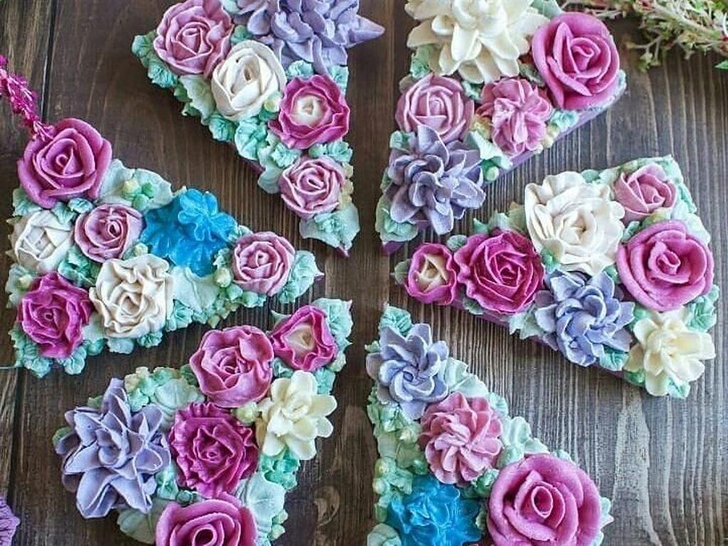 Jangan Dimakan! 10 Cake Cantik Ini Terbuat dari Sabun