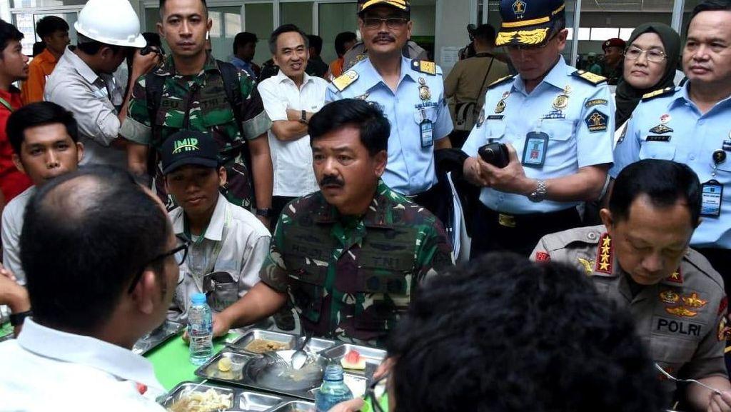Momen Panglima TNI Tinjau Kondisi Keamanan di Morowali