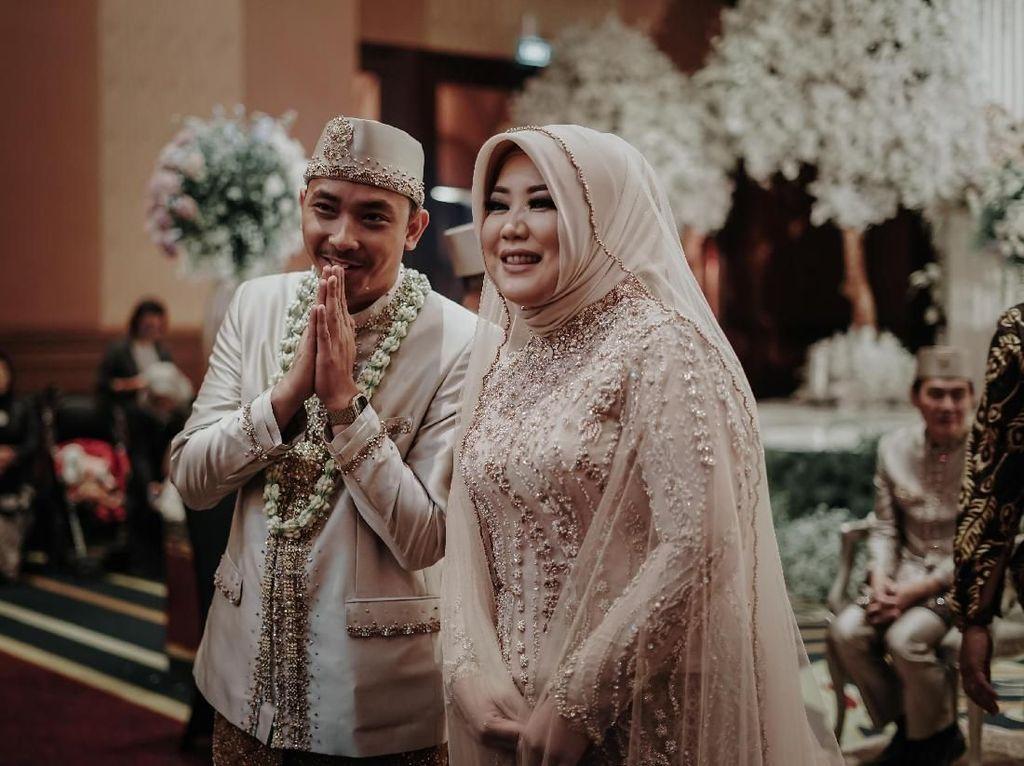 Gaya Hijab Risa Saraswati Saat Menikah yang Dihadiri Teman Gaibnya