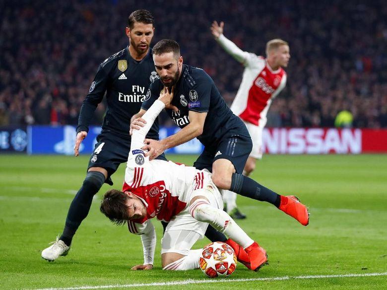 Ajax Vs Madrid: Ajax Vs Madrid Tanpa Gol Di Babak Pertama