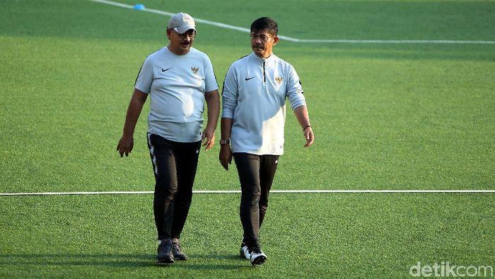 Indra Sjafri saat memimpin latihan Timnas Indonesia U-22. (Foto: Rengga Sancaya/detikcom)