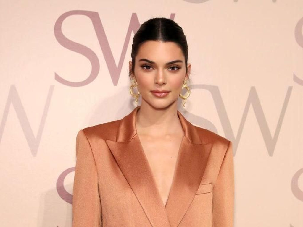 Kurang Seksi, Kendall Jenner Merasa Tak Cocok Jadi Bagian Keluarga Kardashian