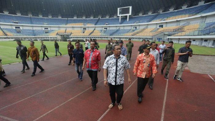 Pemkot tinjau Stadion GBLA. (dok.Humas Pemkot Bandung)