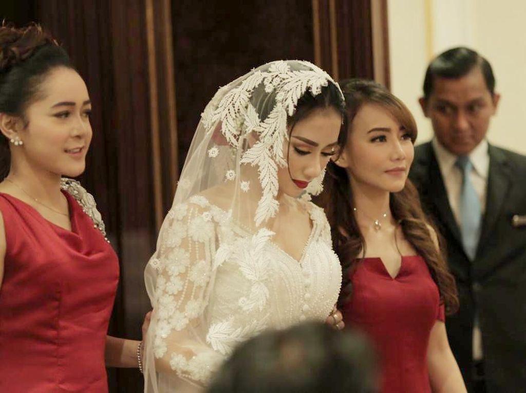 Tak Punya Pekerjaan, Nana Cari Uang untuk Ganti Biaya Nikah dengan Bella Luna