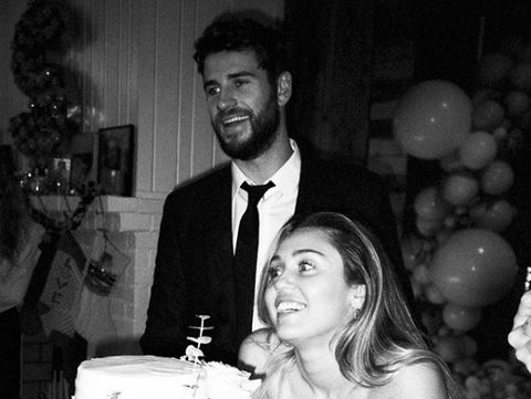 Pernikahan Cyrus dan Hemsworth