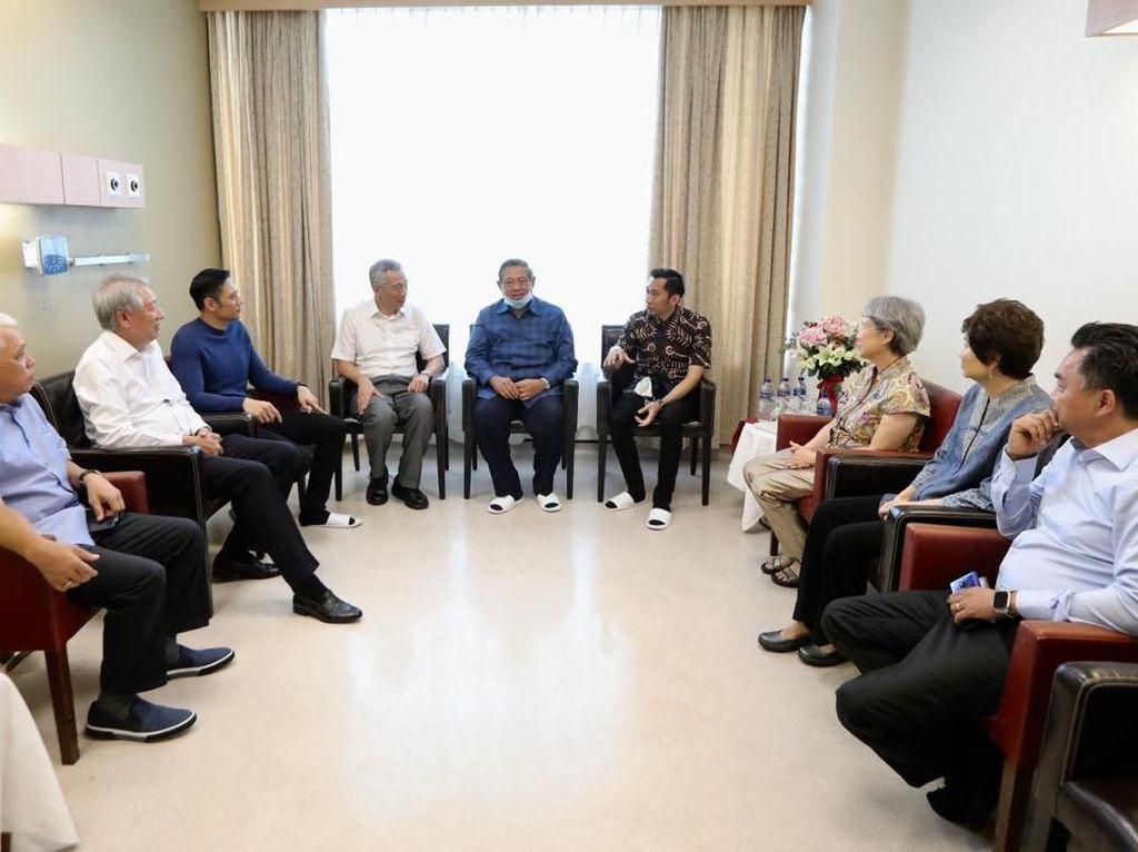 Ditemani SBY-AHY, PM Singapura Jenguk Ani Yudhoyono
