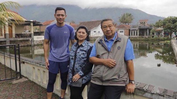 AHY dan Ani Yudhoyono dan SBY