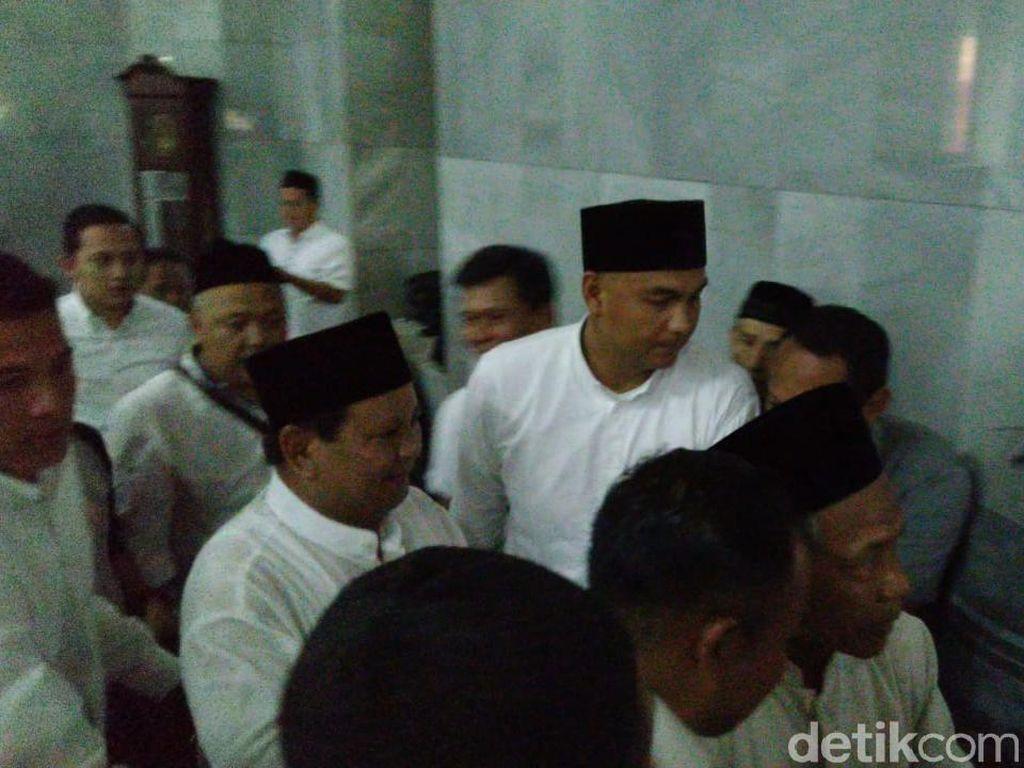 Ada Teriakan Prabowo Presiden Usai Salat Jumat di Semarang