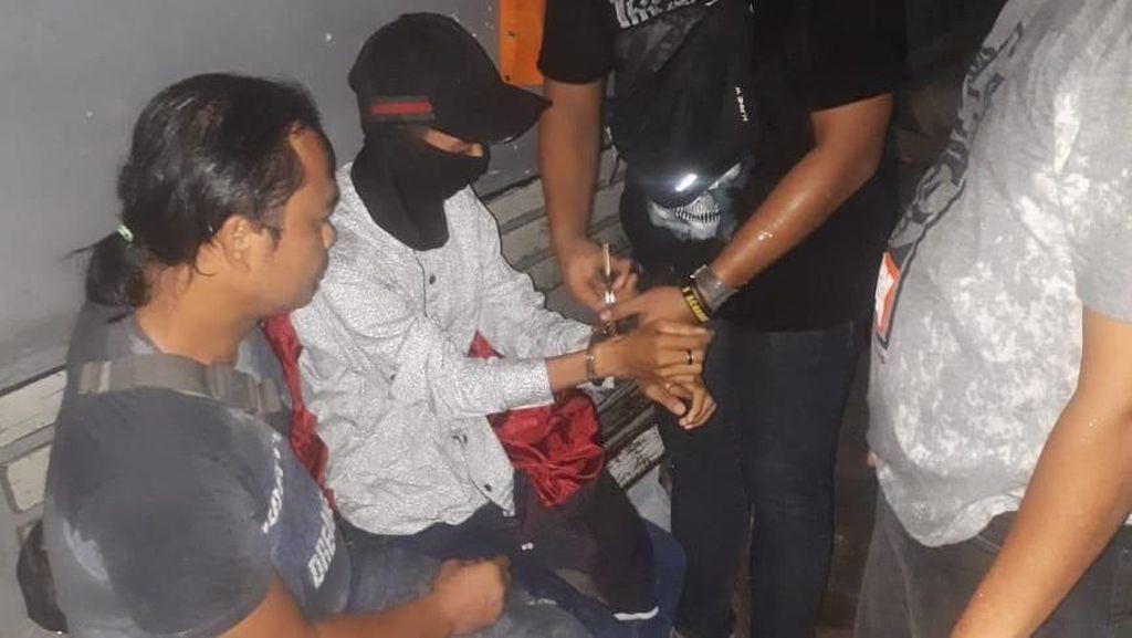 Pria Hajar Kekasihnya karena Cemburu Ditangkap di Jakarta