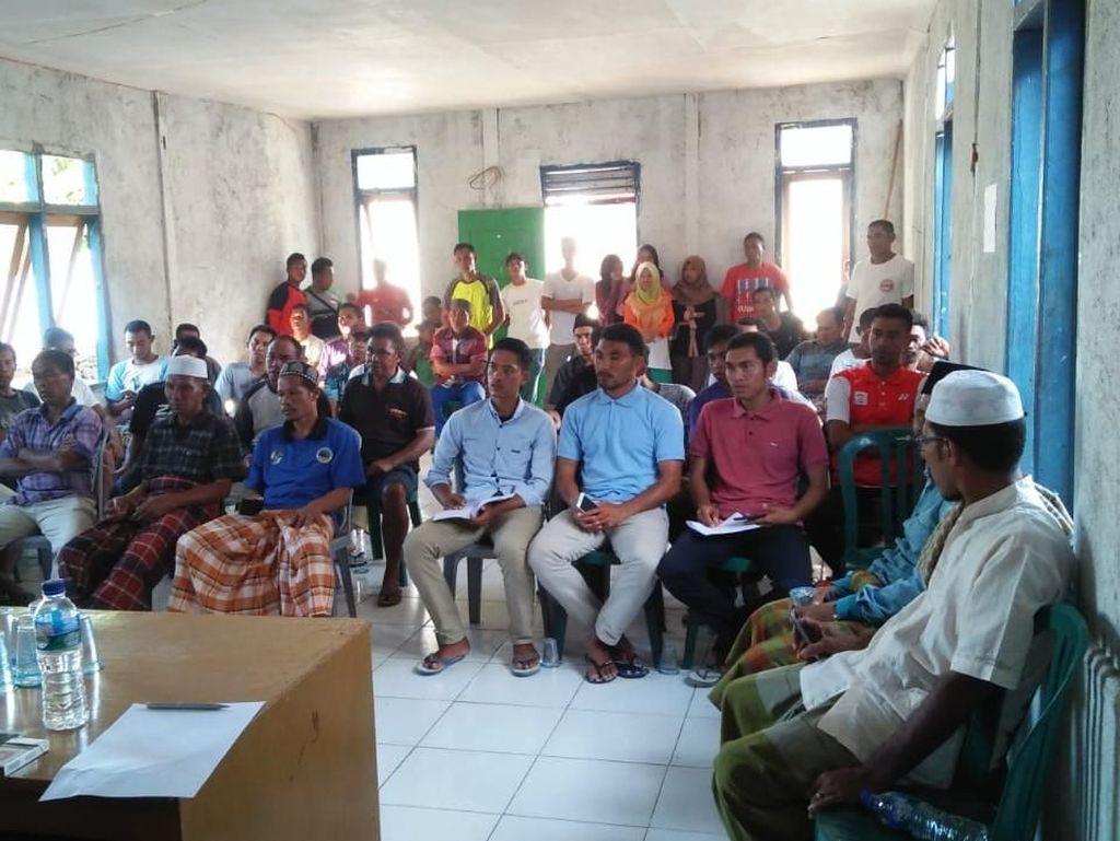Masyarakat Desa Komodo Tolak Penutupan Taman Nasional Komodo