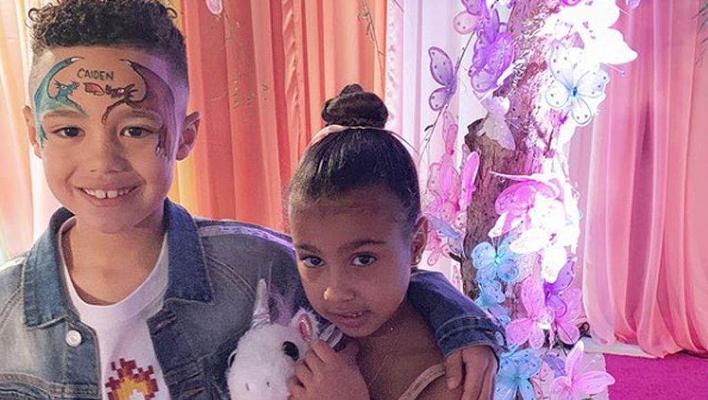 Foto: Ini Anak 7 Tahun yang Belikan Putri Kim Kardashian Kalung Mewah