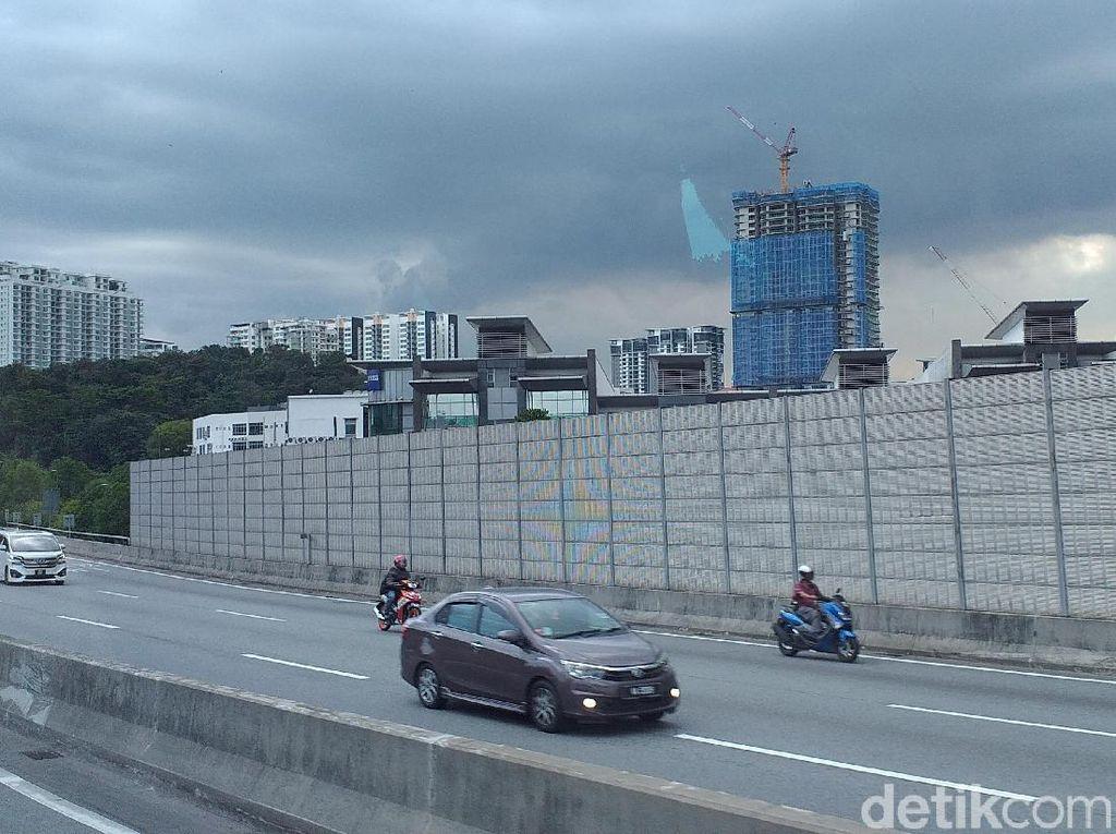 Di Malaysia, Pemotor Bakal Dilarang Ambil Jalur Paling Kiri