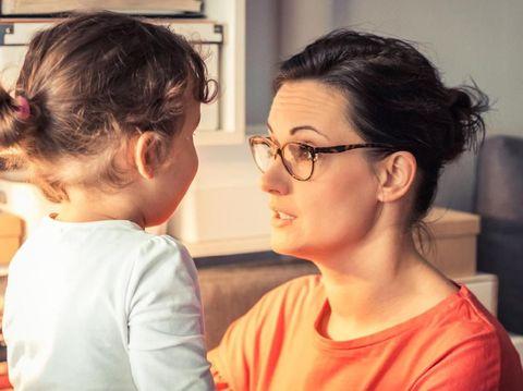 10 Ucapan Orang Tua Pengganti Kalimat Larangan untuk Anak