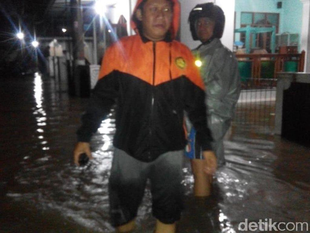 Diguyur Hujan Lebat, Belasan Rumah Tergenang Banjir di Sleman