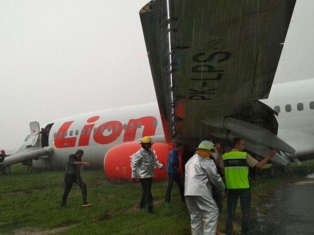 Penampakan Lion Air Tergelincir di Bandara Supadio Pontianak
