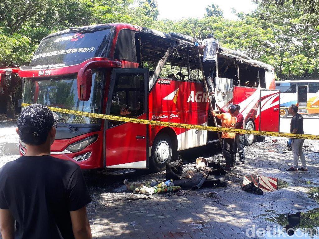 Kebakaran Bus di Terminal Bojonegoro karena Konsleting AC