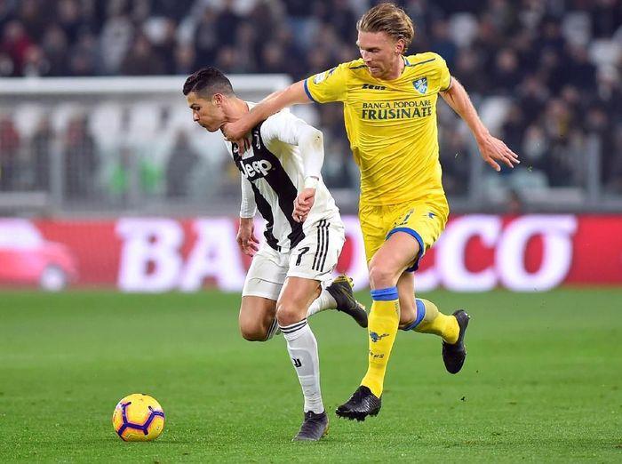 Juventus menang 3-0 saat menjamu Frosinone di Allianz Stadium. Cristiano Ronaldo menjadi bintang dalam pertandingan, Sabtu (16/2/2019) dinihari WIB. (Foto: Massimo Pinca/Reuters)