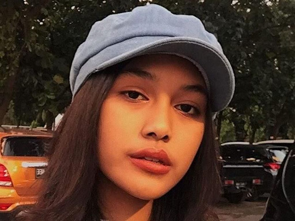 Foto: Manisnya Miss Indonesia 2019 Princess Mikhaela yang Mahir 4 Bahasa