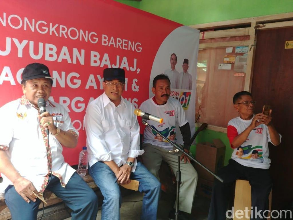 Nongkrong Bareng Sopir Bajaj-Penjual Ayam, Menhub Buat Kuis Ala Jokowi